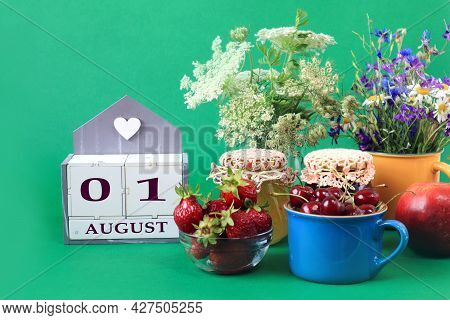 Calendar For August 1 : The Name Of The Month Of August In English, Cubes With The Numbers 0 And 1,