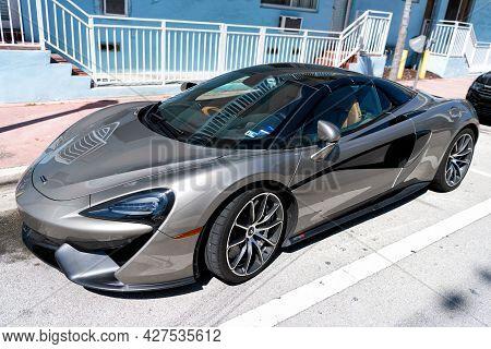 Los Angeles, California Usa - April 13, 2021: Mclaren Automotive Limited 570s Side View.