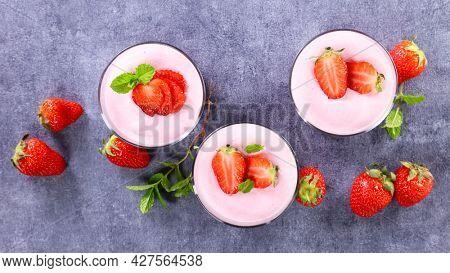 strawberry mousse dessert- tiramisu or panna cotta