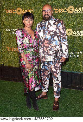 LOS ANGELES - JUL 21: Kat Graham and Robear Landeros arrives for The DiscOasis VIP Night on July 21, 2021 in Palos Verdes Estates, CA