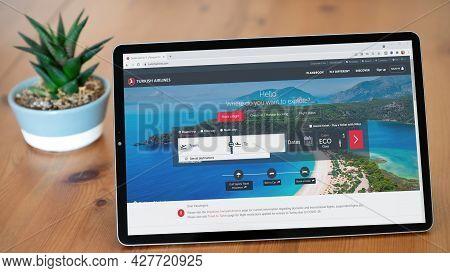 Istanbul, Turkey - July 2021: Illustrative Editorial Screenshot Of Turkish Airlines Website Homepage