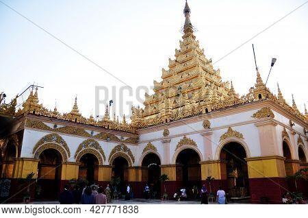 Mahamuni Paya Pagoda Temple And Pilgrimage Site For Burmese People Foreign Travelers Travel Visit Re