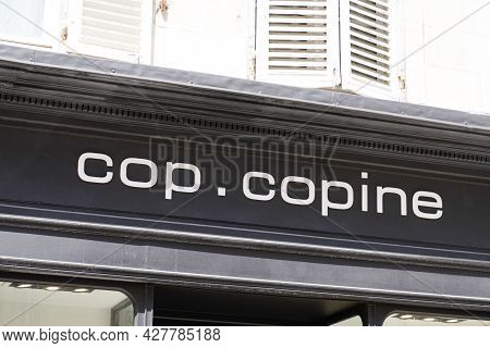 Toulouse , Occitanie France  - 07 20 2021 : Cop Copine Sign Text Store And Logo Brand Shop On Facade