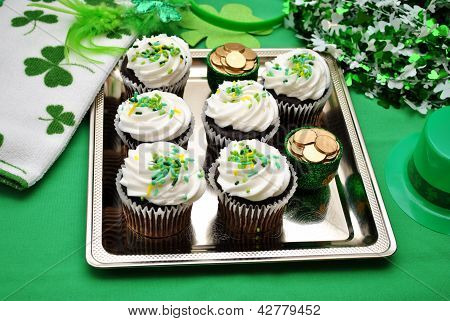ST Paty's Day Decorations with Chocolate Cupcakes
