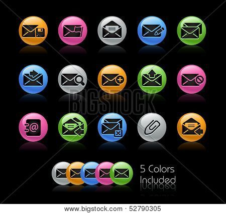 e-mail Icon set / The file Includes 5 color versions in different layers.