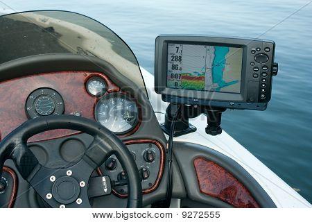boat electronics