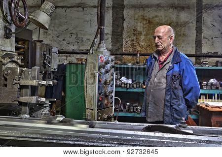 Machine Tool Operator, Planer Boring Milling Controls  Processing Of Metal.