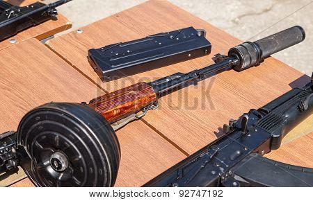 Russian Firearms. Submachine Gun Pp-90, Folded.