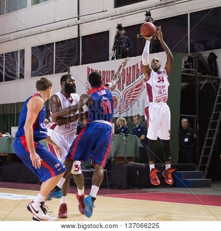 Bc Krasnye Krylia Guard Bracey Wright (34) Makes 3-point