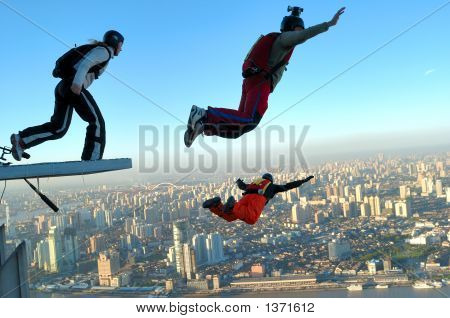Base Jumping In Shanghai
