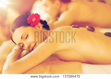 picture of couple in spa salon with hot stones