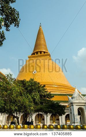 The huge and magnificent Phra Pathom Chedi, Nakhon Pathom, Thailand.