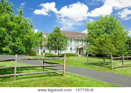 Single Family House Home Lawn Fence Colonial Usa
