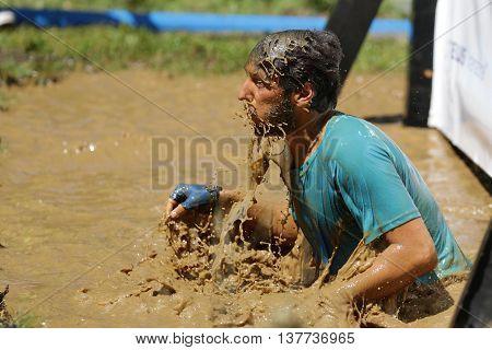 Extreme Sport Challenge Muddy Water