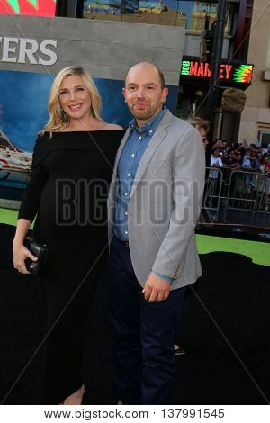 LOS ANGELES - JUL 9:  June Diane Raphael, Paul Scheer at the Ghostbusters Premiere at the TCL Chinese Theater IMAX on July 9, 2016 in Los Angeles, CA