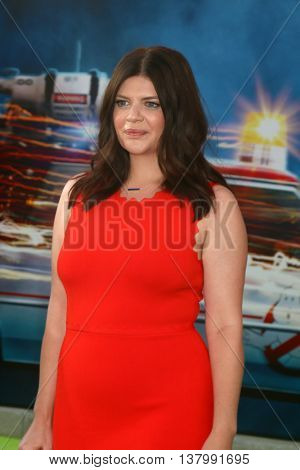LOS ANGELES - JUL 9:  Casey Wilson at the Ghostbusters Premiere at the TCL Chinese Theater IMAX on July 9, 2016 in Los Angeles, CA