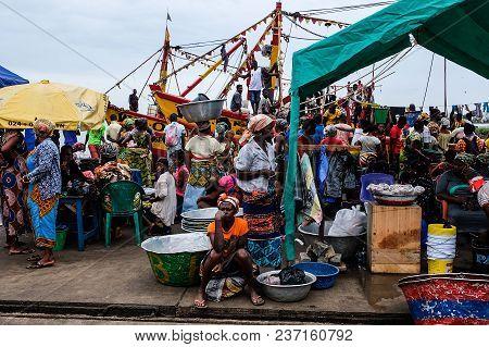 Sekondi Takoradi/ghana - April 10 2018:  Crowded Colourful Vibrant Fish Market At Bosomtwi Sam Fishi