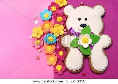 White bear on pink background. Cookies