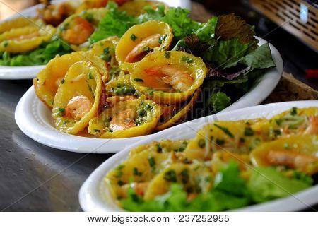 Vietnamese Street Food, Yellow Pancakes