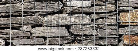 Retaining Wall Blocks With Mesh Wire Stone Basket