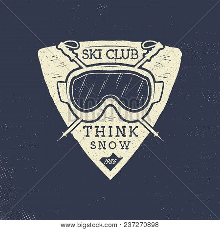 Ski Club Patch Design. Winter Sports Badge, Logotype In Retro Letterpress Style. Stock Vector Isolat