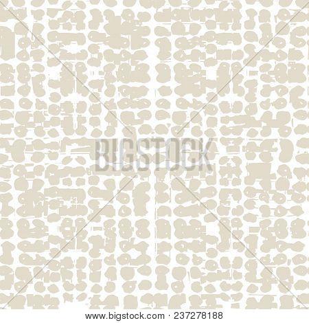 Ivory White Grid Pattern. Vector Shibori Line Seamless Print. Organic Watercolor Background. Tie Dye