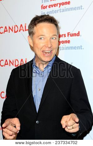 LOS ANGELES - APR 19:  George Newbern at the The Actors Fund's