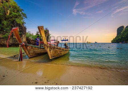 Koh Hong, Krabi, Thailand - April 6, 2018 : Traditional Thai Longtail Boats Parked At The Koh Hong I