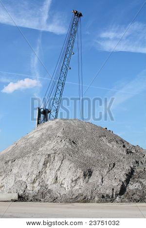 Bulk-handling crane