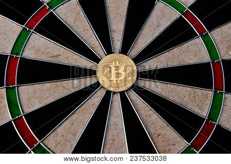 Finance Business Concepts. Businessman Is Playing Darts. Businessmen Are Aiming For Work. Businessma