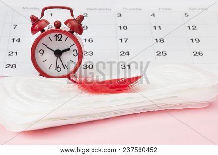 Menstruation Sanitary Pad For Woman Menstrual Period