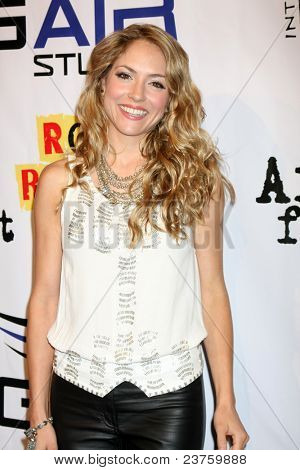 LOS ANGELES - SEPT 22:  Brooke Nevin arriving at the premiere of
