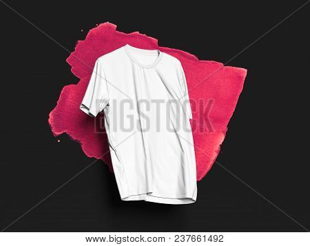 White Realistic T-shirt On Black Background With Pink Smear, 3d Rendering