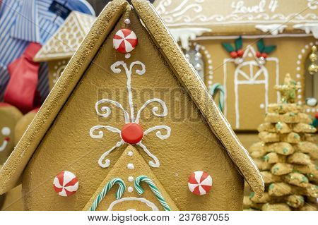 Sydney, Australia - Nov 14, 2017: Gingerbread House In Christmas Decoration On Display At The Westfi
