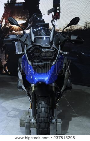 Nonthaburi,thailand - April 6, 2018: Front View The Bmw R 1200 Gs Model Goes One Better: Both In Ter