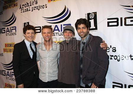 LOS ANGELES - SEPT 22: Gabriel Sunday, M Welch, David Miller, Adrian Grenier arriving at the premiere of