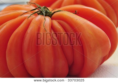 closeup of a wrinkled zapotec heirloom tomato