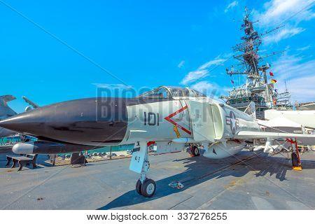 San Diego, Navy Pier, California, Usa - August 1, 2018: Big Aircraft Of Uss Midway Battleship At San