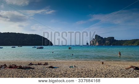 Beautiful And Peaceful Beach - Phi Phi Island, In Phi Phi, Thailand 23/11/2019
