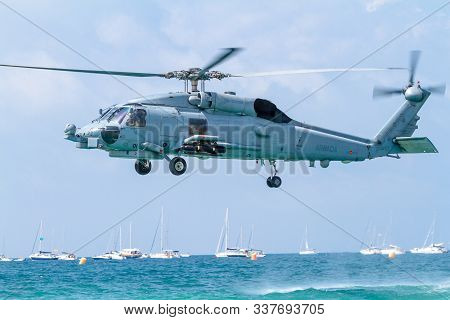 Cadiz, Spain-sep 09:  Helicopter Sh-60b Seahawk Taking Part In An Exhibition On The 5th Airshow Of C