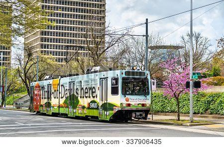 Sacramento, Usa - March 28, 2019: Sacramento Rt Light Rail Train In Downtown Sacramento. The Light R
