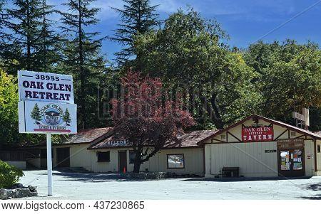 OAK GLEN, CALIFORNIA - 10 OCT 2021: Oak Glen Retreat, Tavern and Restaurant.
