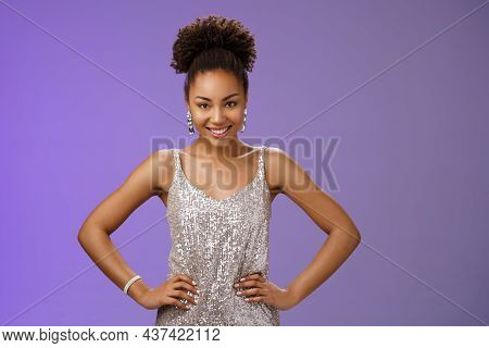 Confident Sassy Attractive African-american Woman Powerful Pose Hold Hands Hips Smiling Self-assured