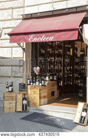Montepulciano (si), Italy - August 02, 2021: Delicatessen And Shop In Montepulciano Town, Tuscany, I