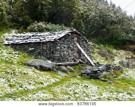 Mountain stone shelter