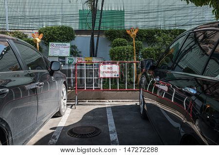THAILAND - SEP - Private cars parking on the area not allowed to parked in gas station at transmit gasoline point in Pattaya, Thailand on September 14, 2016