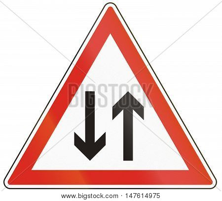 Hungarian Warning Road Sign - Oncoming Traffic