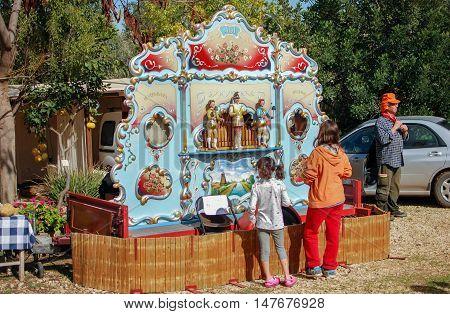 SDE TZVI ISRAEL - MARCH 02 2012: Street Barrel music organ