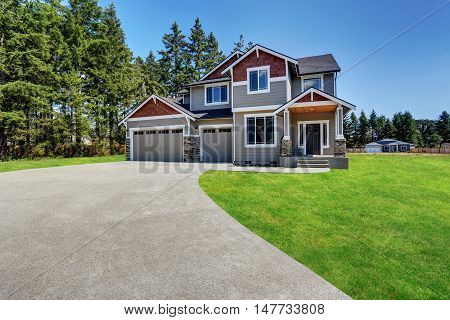 Craftsman American House With Rocks Trim, Garage And Concrete Floor Porch