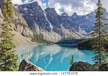 Moraine lake, Banff national park in the Rocky Mountains, Alberta, Canada
